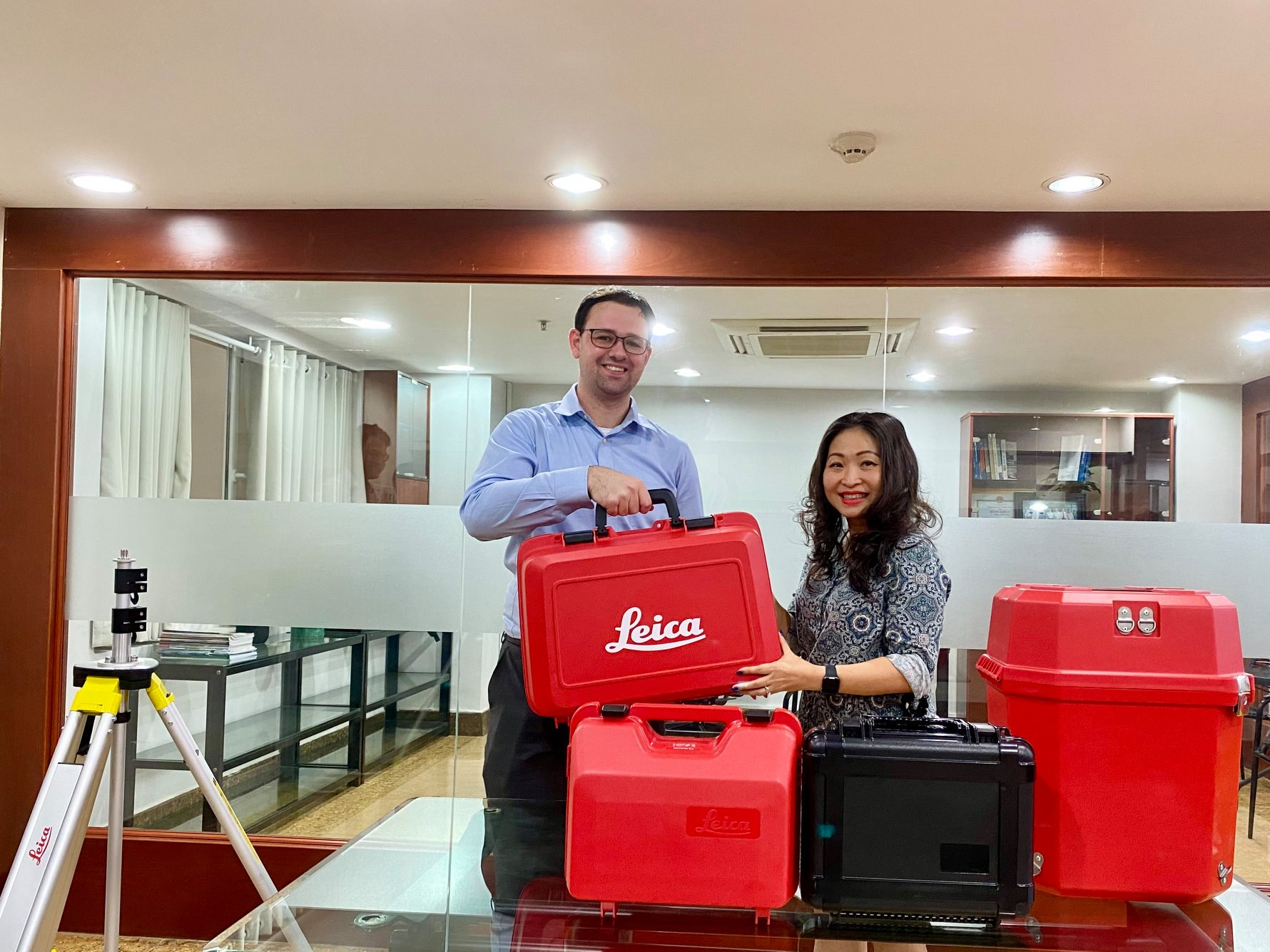 Portcoast recieve latest equipments from Leica