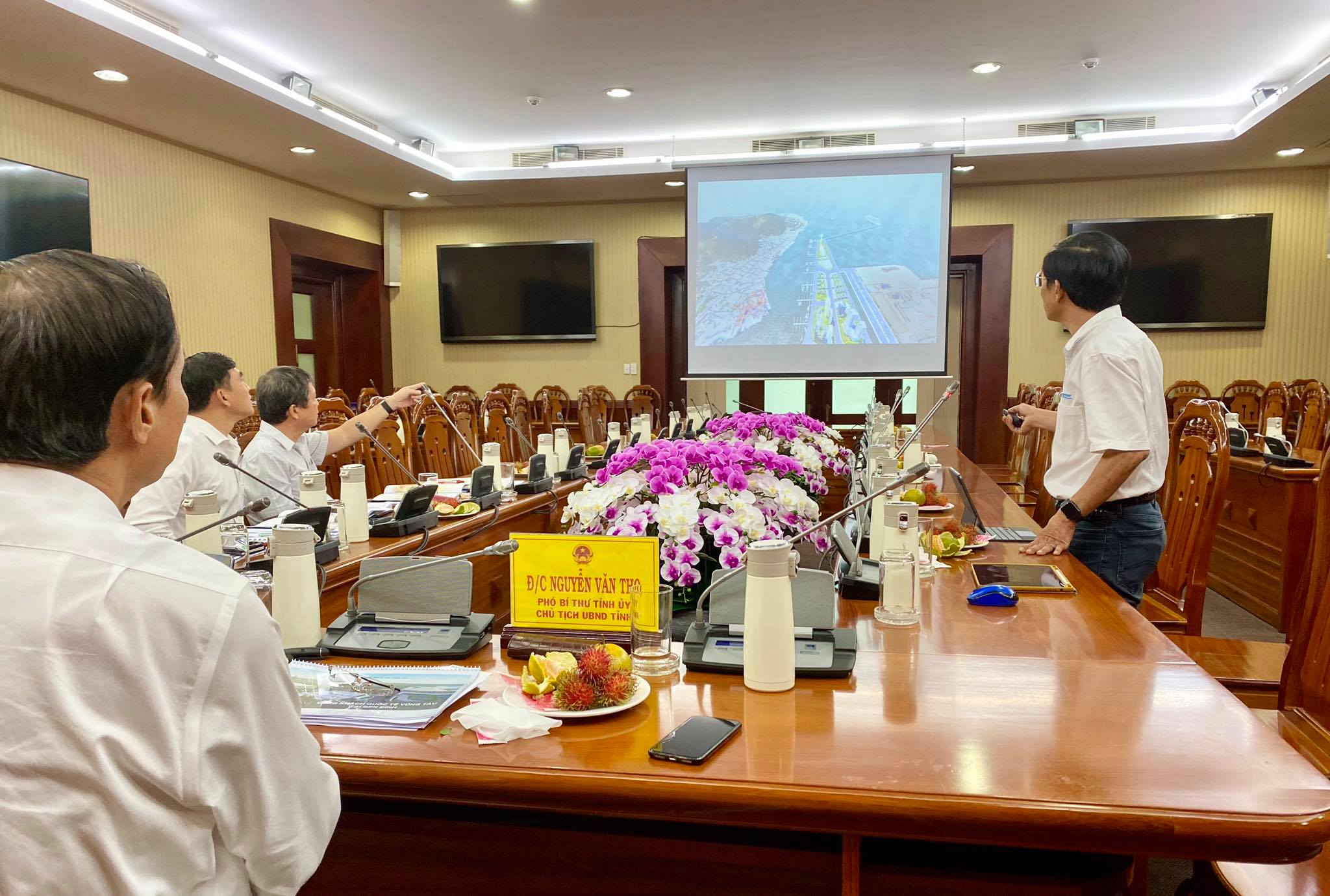 Meeting at Ba Ria - Vung Tau People's Committee