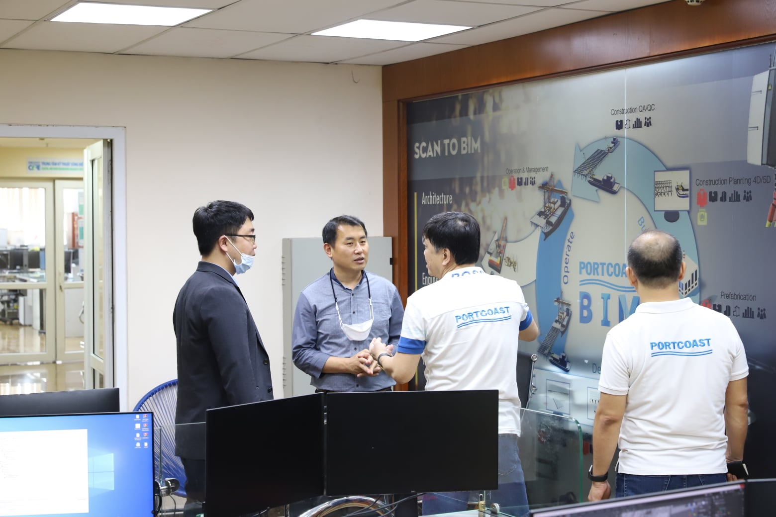 Welcome Huyndai Engineering & Construction Co., Ltd. to Portcoast's office