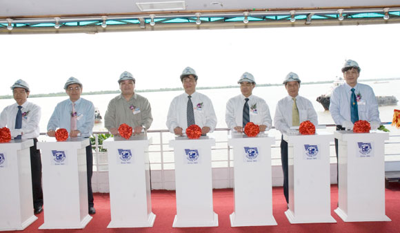 Construction of Sai Gon-Hiep Phuoc port begins