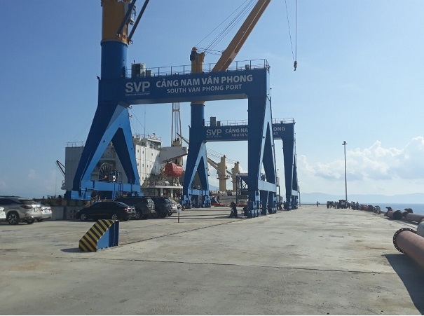 Nam Van Phong Port welcomed the first ship to dock