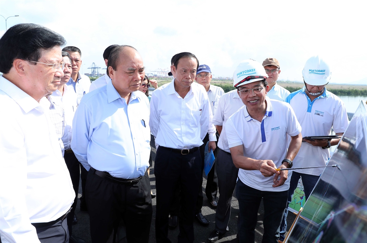 Prime Minister Nguyen Xuan Phuc: Studying the Scheme on specific mechanisms for the key economic region